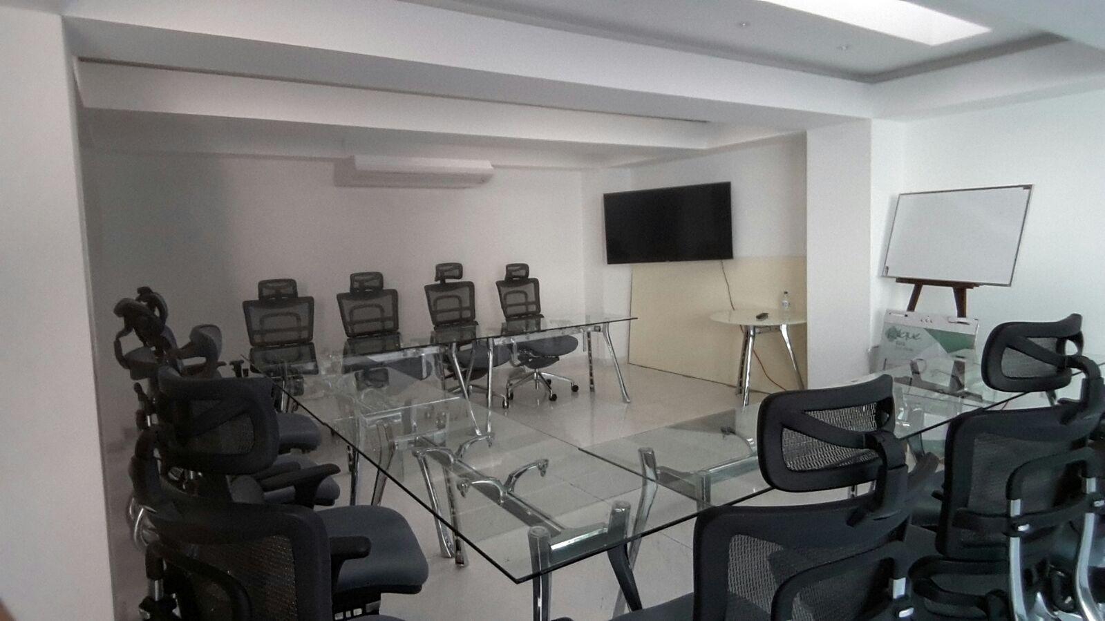 Sala de juntas y oficinas privadas para su negocio