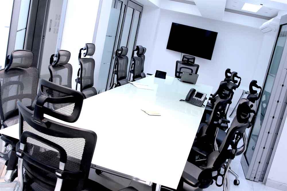 Modernas sala de juntas y oficinas para generar impacto en sus negocios