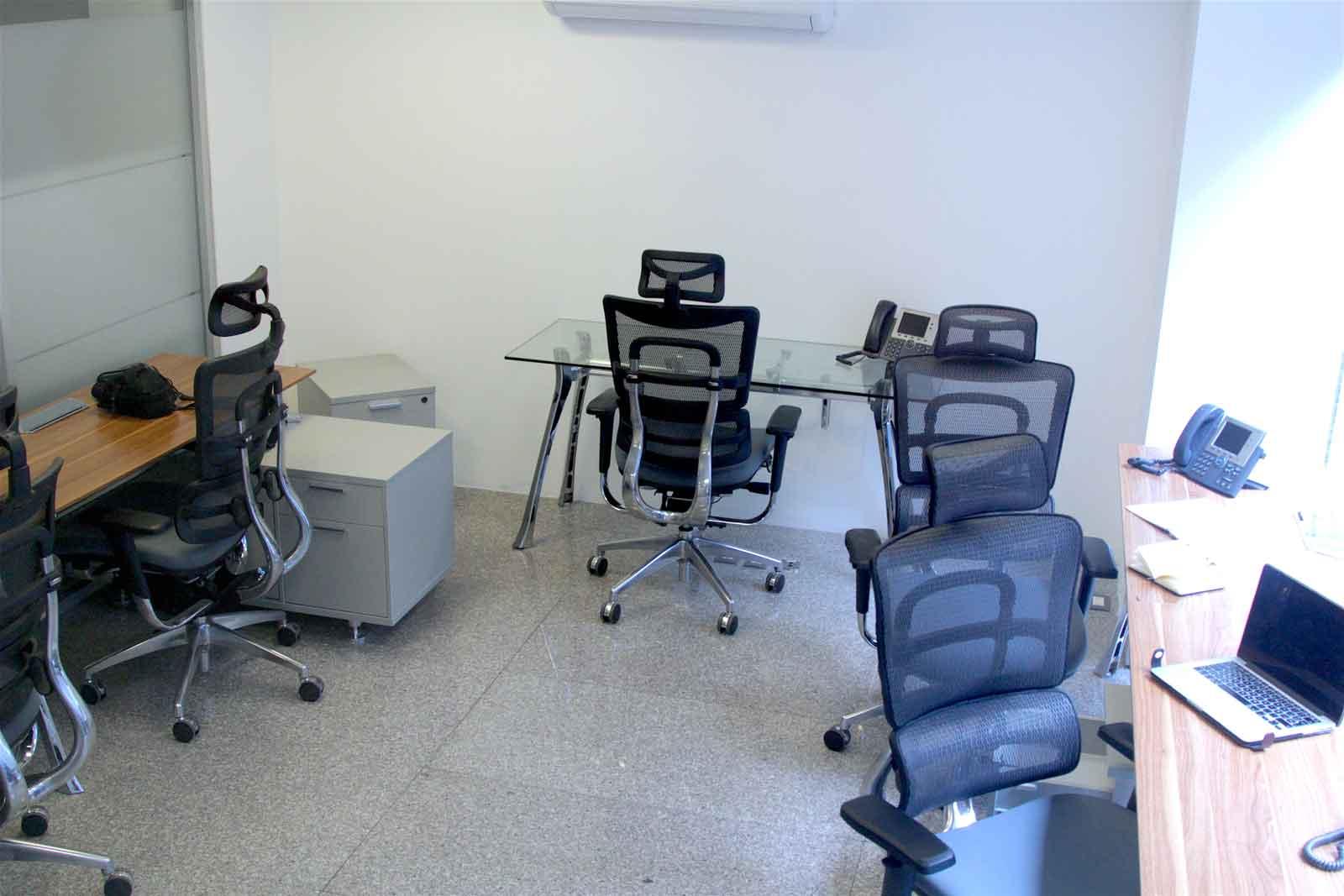 Modernas oficinas privadas con servicios de telefonía privada